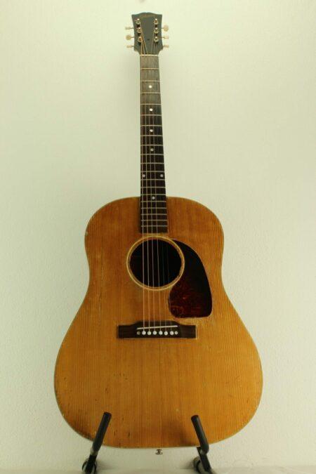 IMG 0005 6 450x675 - Gibson J-50 1951