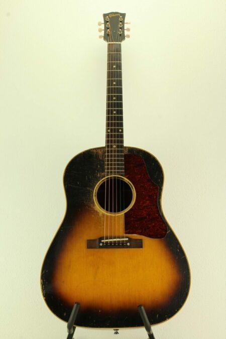 IMG 0004 450x675 - Gibson J-45 1955