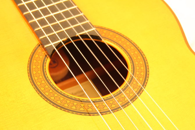 Miguel Malo 2005 rosewood soundhole