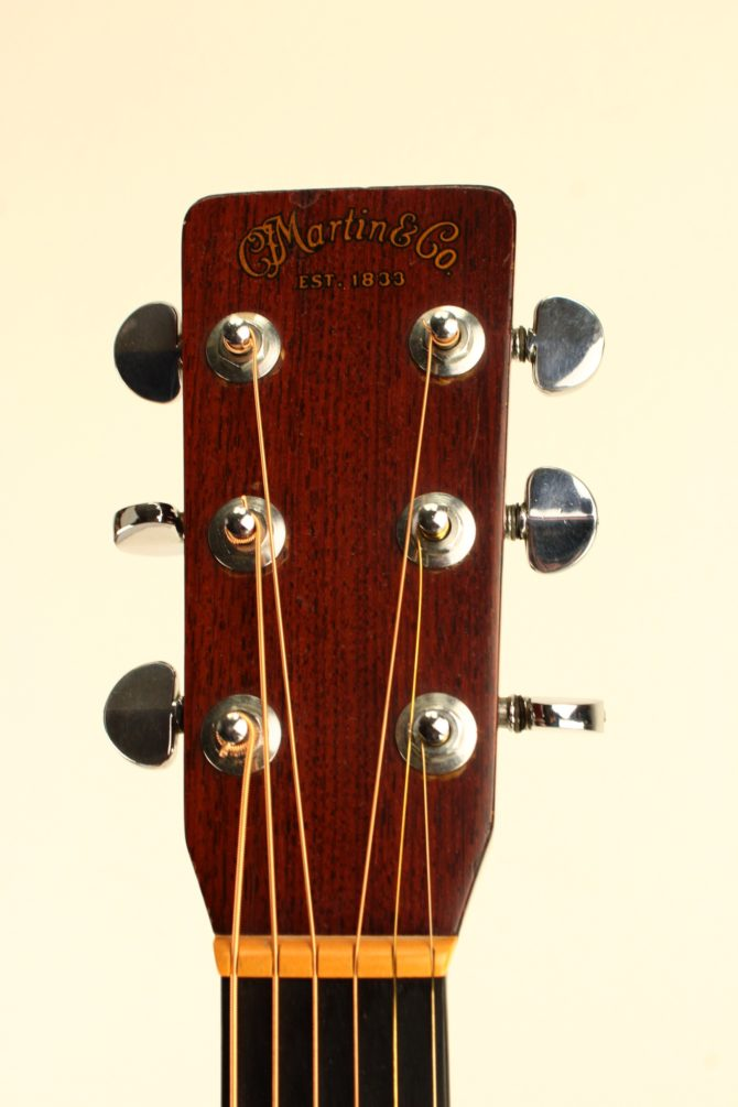 Martin D-28 1979 headstock front