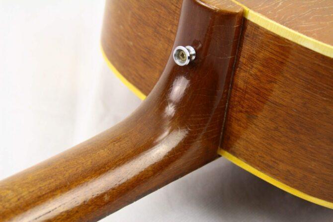 Gibson J-50 1957 heel