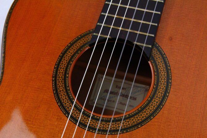 Manuel Contreras double top soundhole