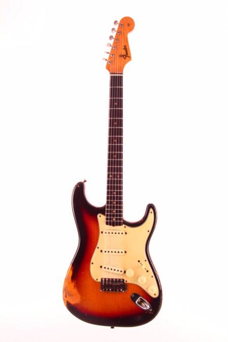 IMG 0963 450x675 - Fender Stratocaster 1964 3-tone sunburst