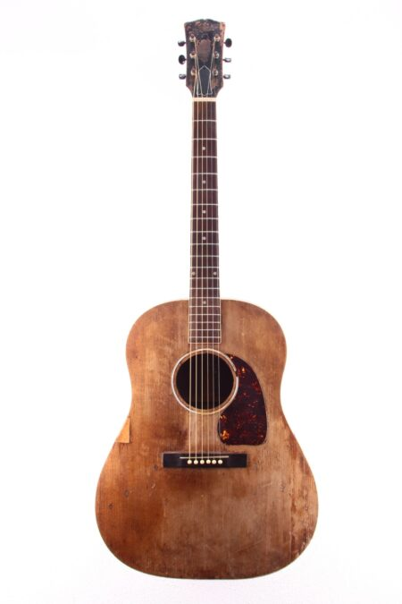 "IMG 1734 450x675 - Gibson J-50 ""Banner"" 1944"