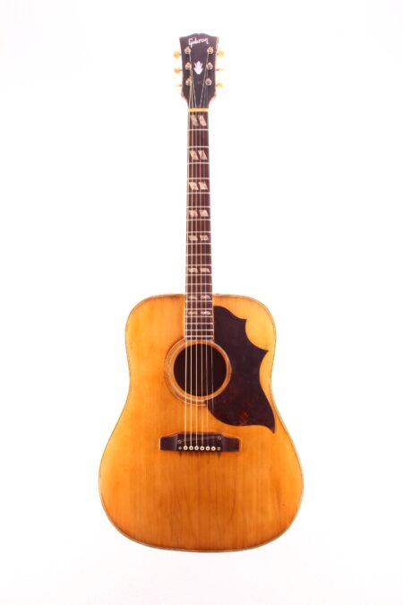IMG 2136 450x675 - Gibson Southern Jumbo 1967 natural