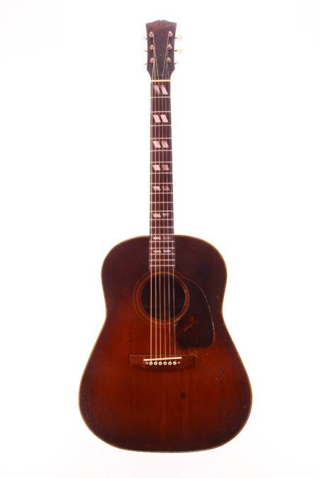 IMG 2249 450x675 - Gibson Southern Jumbo 1946