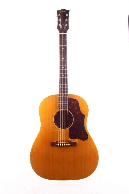IMG 2353 450x675 - Gibson J-50 1955