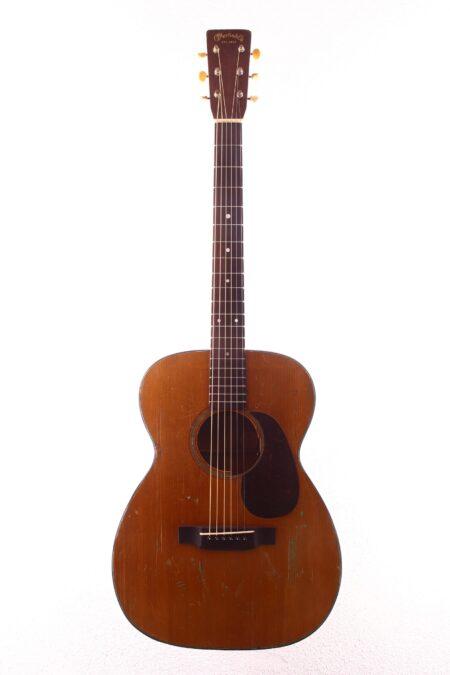 IMG 2561 450x675 - Martin 00-18 1948