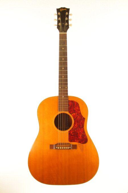 IMG 0040 450x675 - Gibson J-50 1956