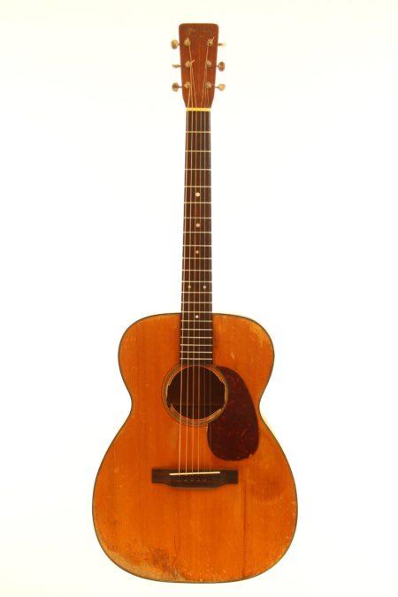 IMG 3544 450x675 - Martin 00-18 1953