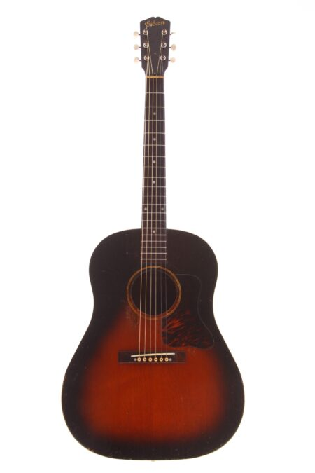 IMG 3615 450x675 - Gibson J-35 1938