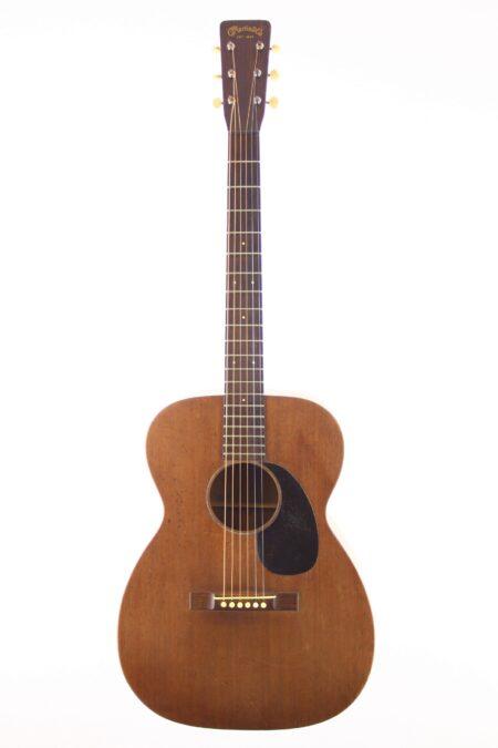 IMG 4033 450x675 - Martin 00-17 1956