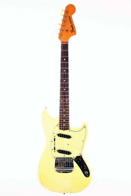 IMG 4174 450x675 - Fender Mustang 1964